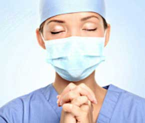 nurse-praying